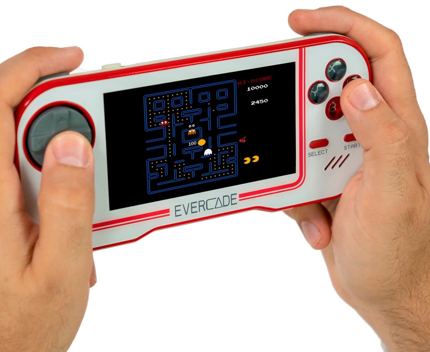 La Evercade se parece mucho también a la Nintendo Switch Lite